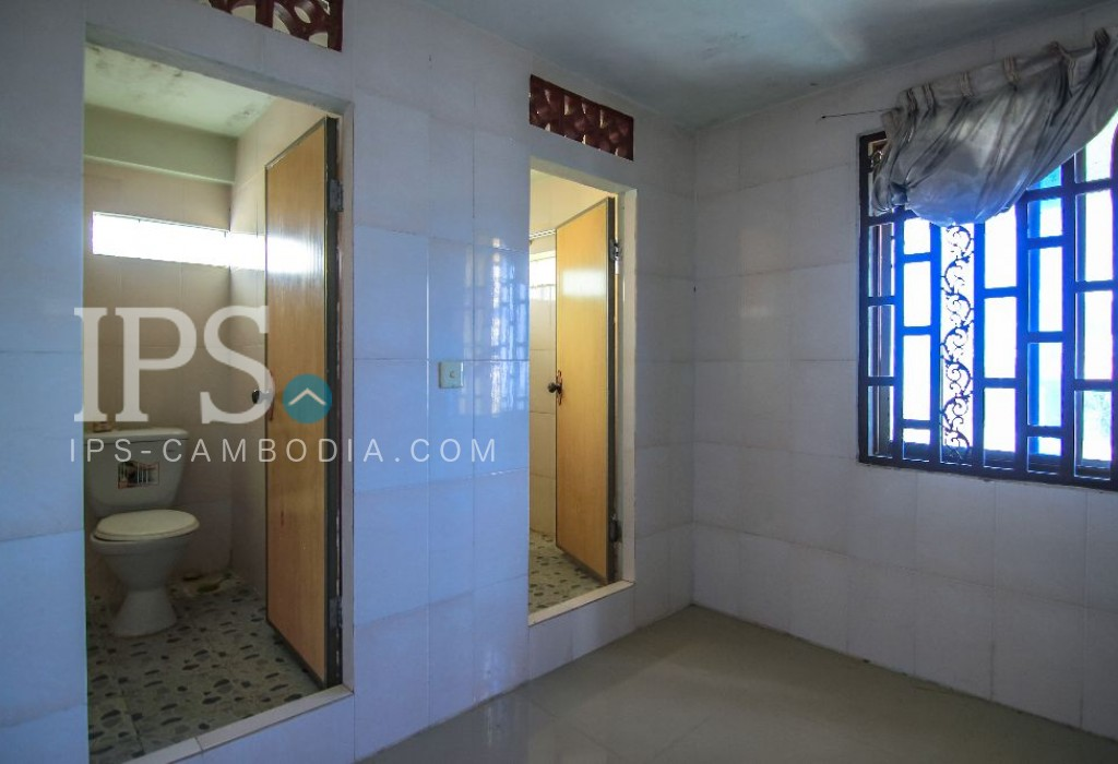 200 m2 Land and House for Sale - Chbar Ampov