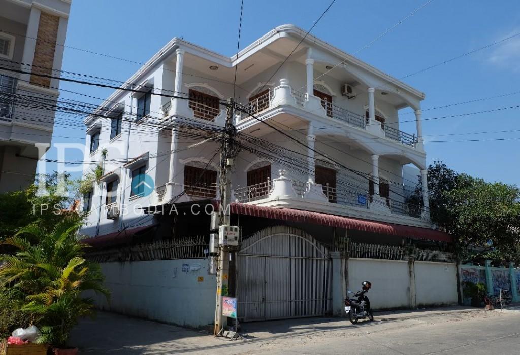 Villa For Sale - Street 2004