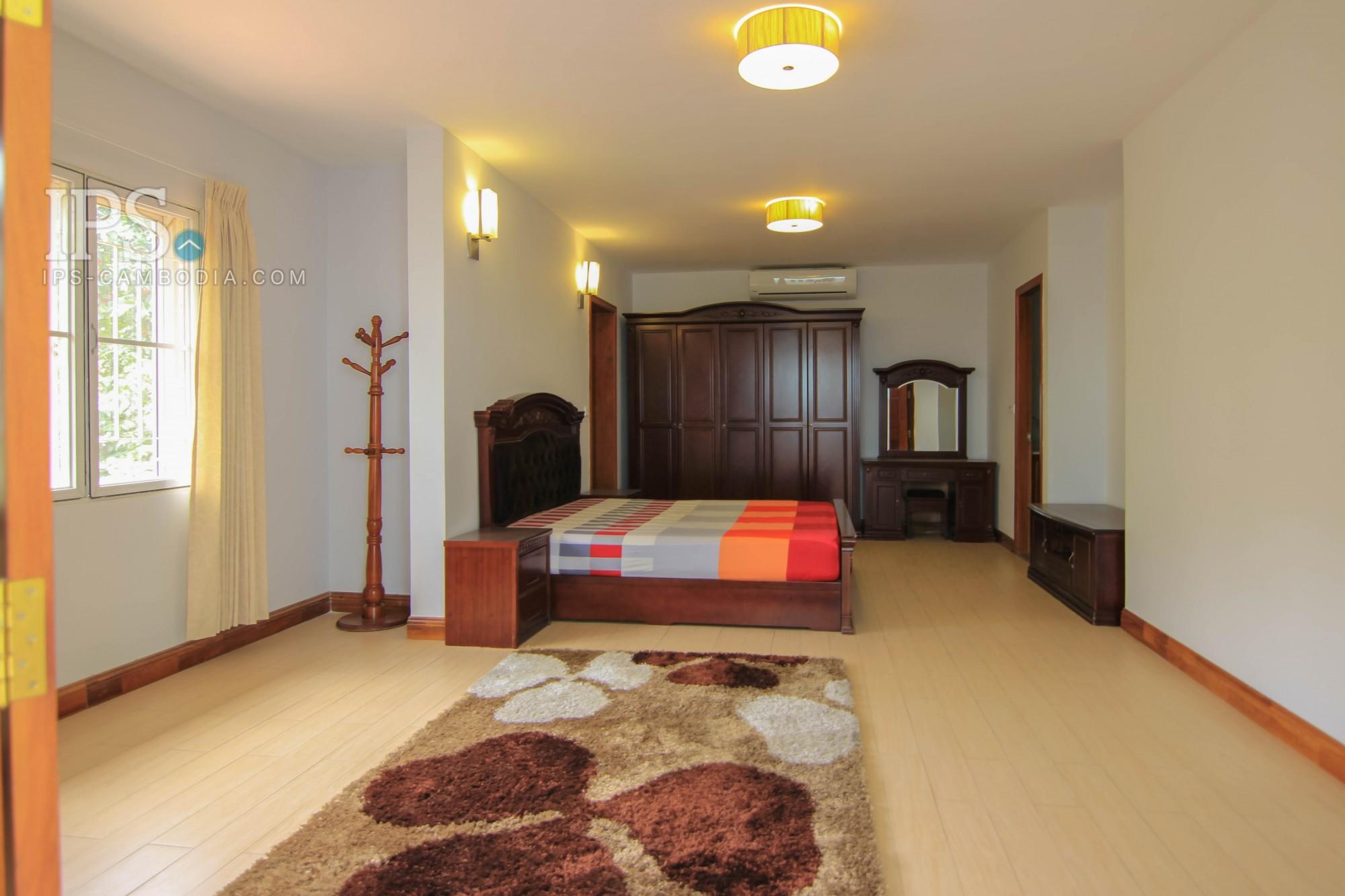 5 Bedroom Villa For Rent - Toul Svay Prey