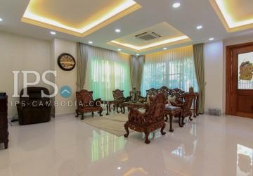 5 Bedroom Villa & Townhouse For Rent - Tonle Bassac