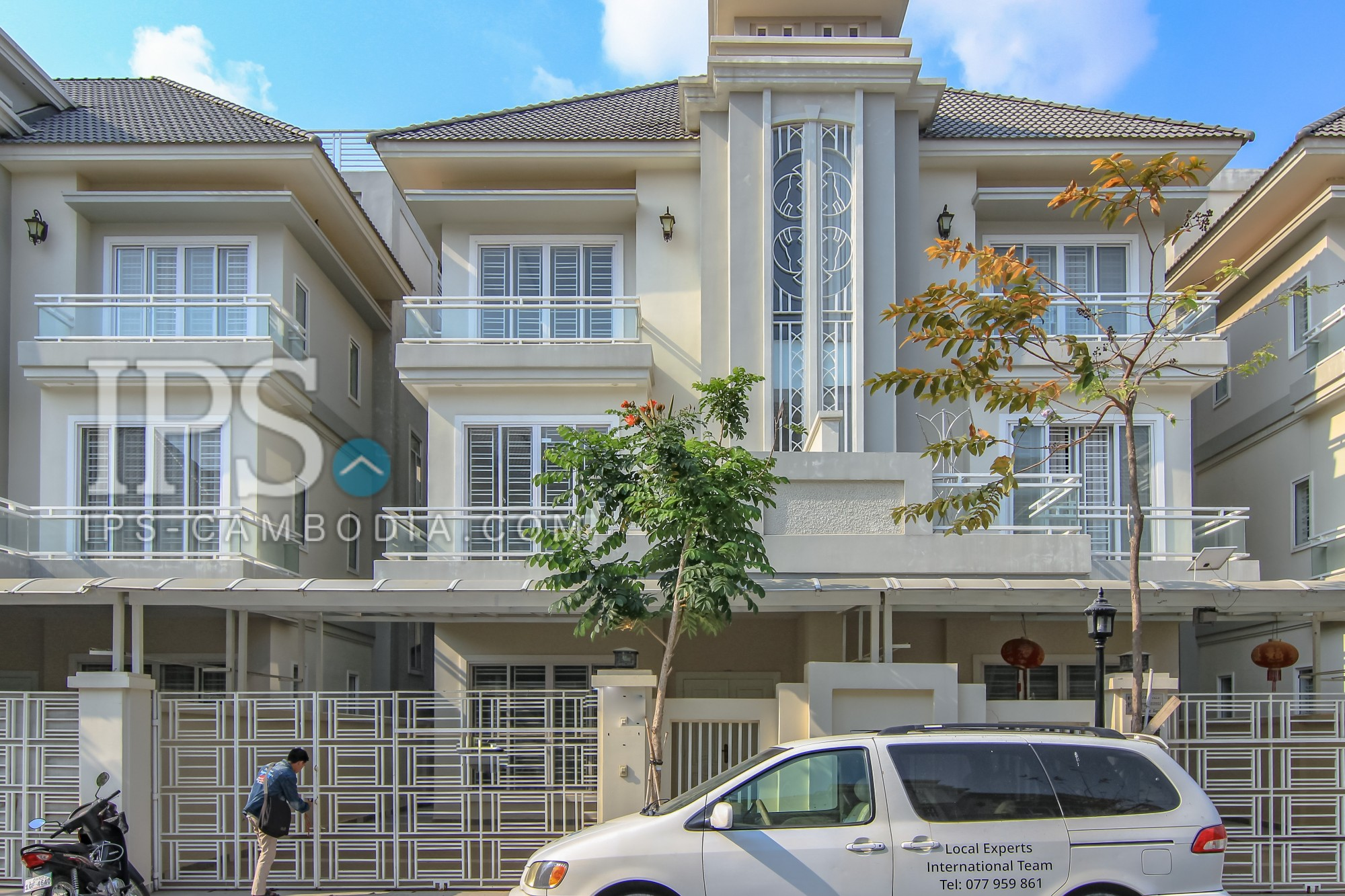 4 Bedroom House for Rent - Teuk Thla
