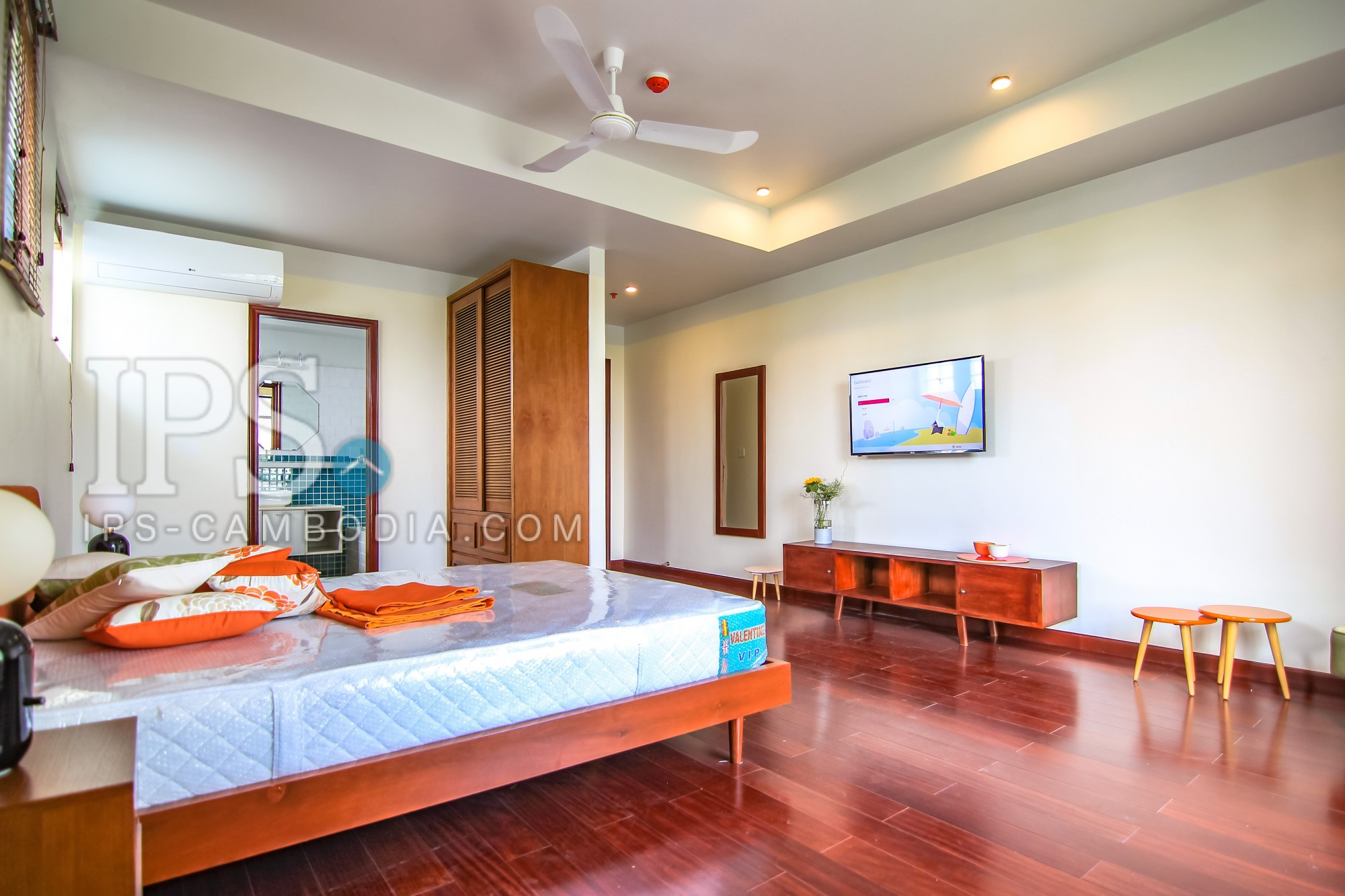2 Bedroom Serviced Apartment for Rent - Wat Phnom