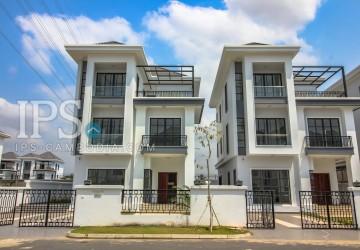 6 Bedroom Villa for Sale - Chak Angrae Lue
