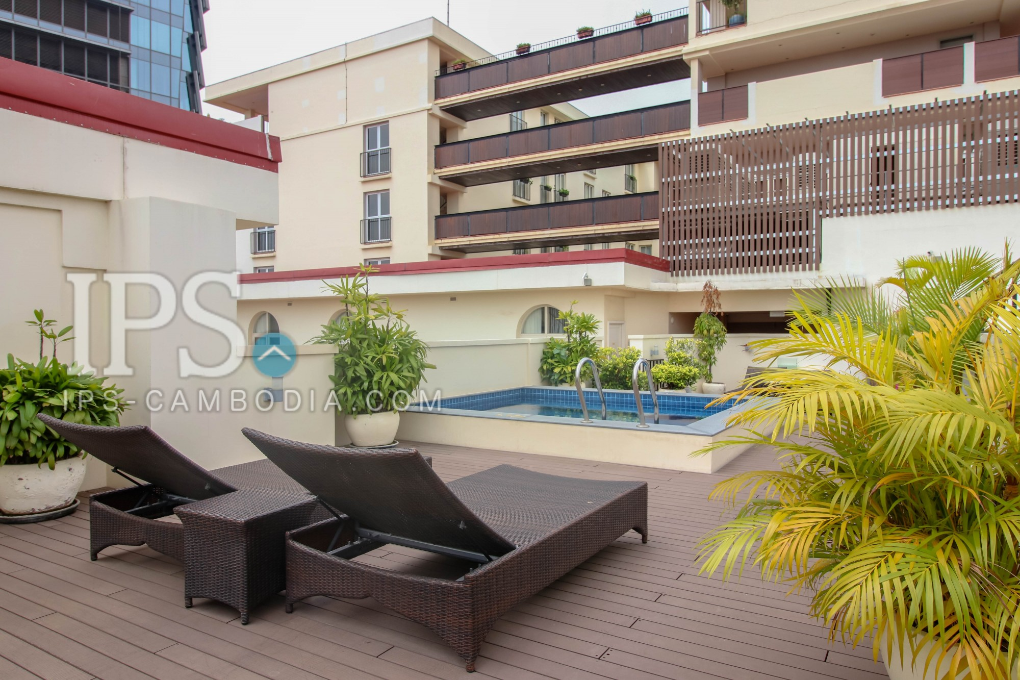 1 Bedroom Serviced Apartment For Rent - Wat Phnom, Phnom Penh