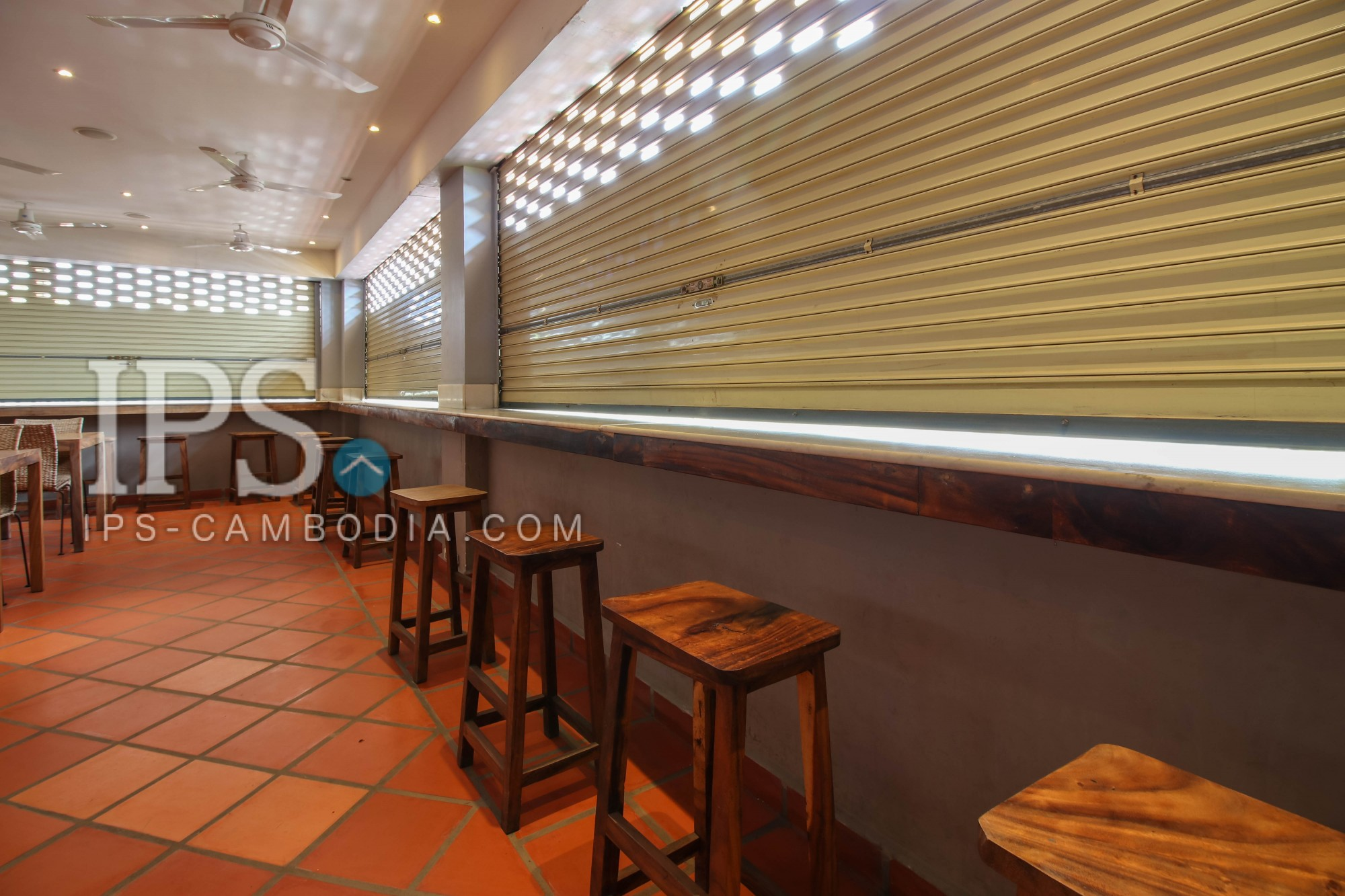 2 Floors Retail Space For Sale - Chroy Changva
