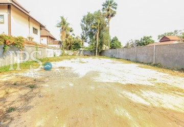 Residential Land with Hard Title For Sale - Svay Dangkum thumbnail