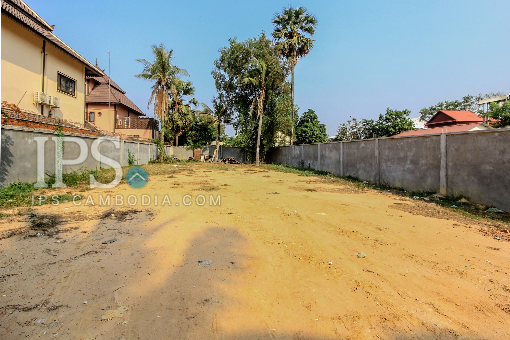 Residential Land with Hard Title For Sale - Svay Dangkum