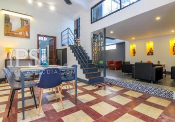 Exquisite 3 Bedroom Apartment Flat For Sale - Daun Penh
