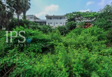 2170 sqm. Commercial Land For Sale - Slor Kram, Siem Reap