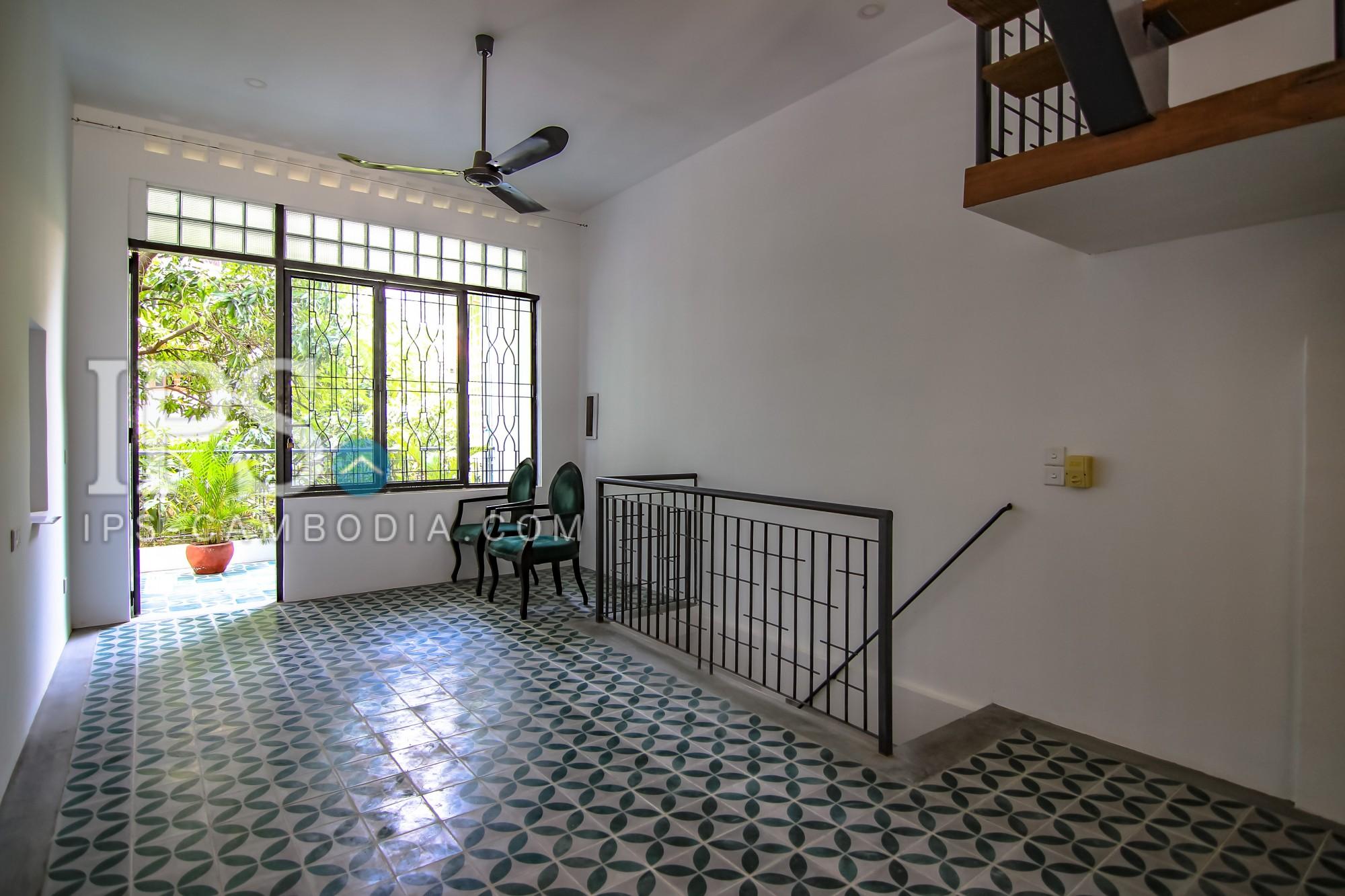 2 Bedroom Duplex Flat for Rent -  Sothearos Blvd.