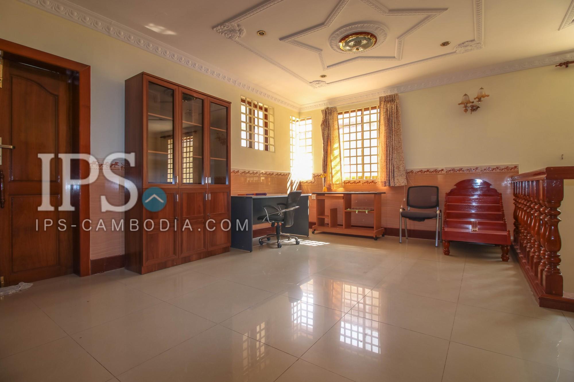 3 Bedroom Villa  For Rent - Chroy Changva, Phnom Penh