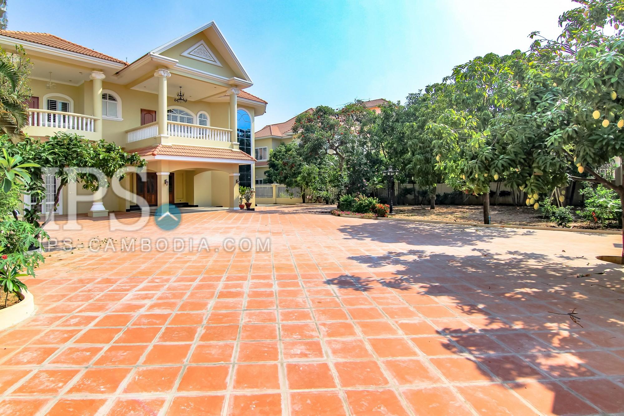 5 Bedroom Villa For Rent - Chroy Changva, Phnom Penh