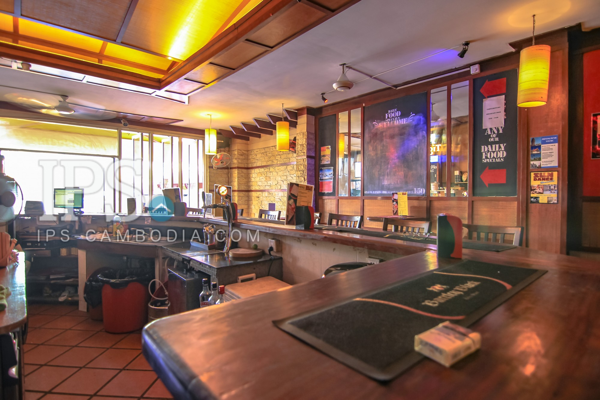 15 Room Guesthouse with a Sports Bar and Restaurant Business For Sale - Riverside