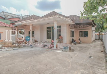 5 Bedrooms Villa For Rent - Sihanoukville