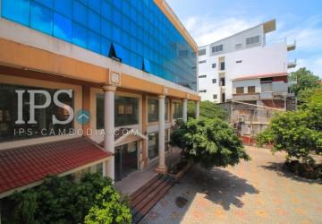 Commercial Building  For Rent - Daun Penh  Area  thumbnail