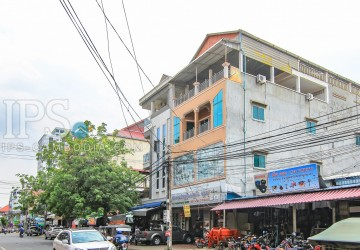 Commercial Townhouse For Rent - Toul Tumpong