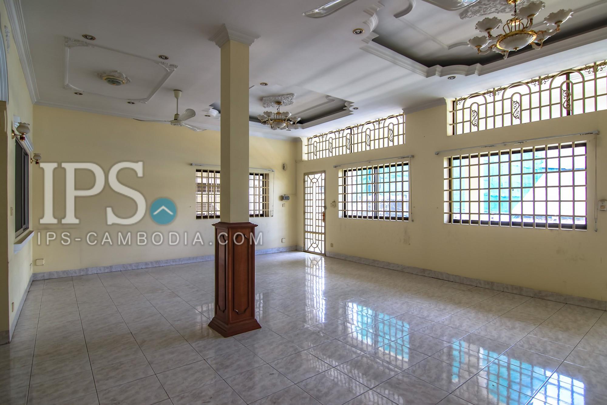 3 Floors Commercial Shophouse for Rent - BKK3