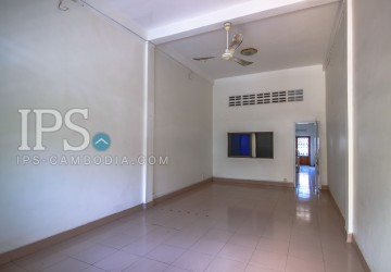 2 Floors Shophouse for Rent - Central BKK1