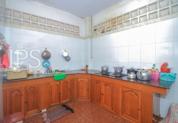 5 Bedroom Colonial Villa For Rent - BKK3, Phnom Penh thumbnail