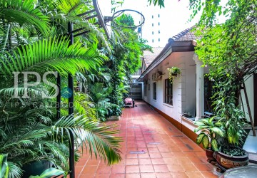 6 Bedroom Commercial Villa for Rent - Tonle Bassac, Phnom Penh
