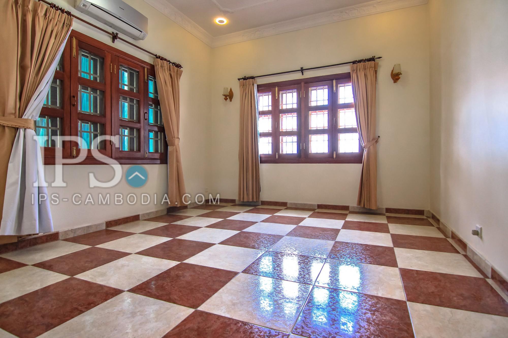 4 Bedrooms Villa for Rent - BKK1