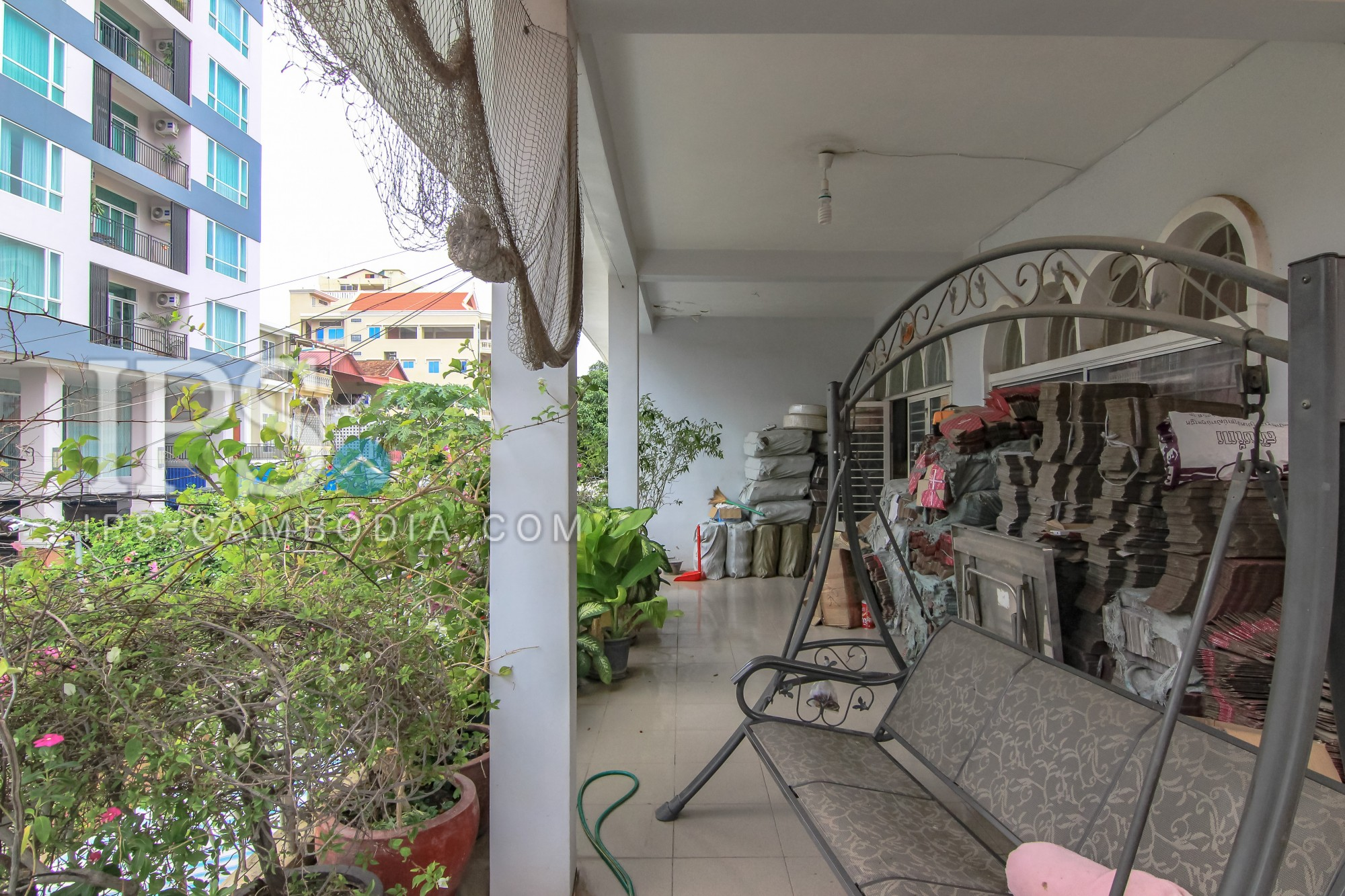 405 sqm Land and Villa For Sale - BKK3