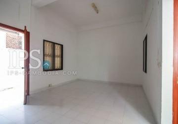 680 sqm. 4 Bedroom Villa  For Rent - Tonle Bassac thumbnail