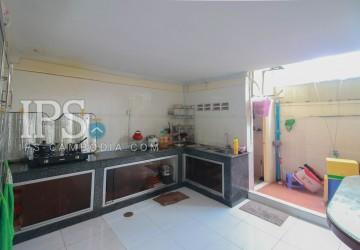 5 Room  For Sale in Boeung Kak 2, Phnom Penh thumbnail