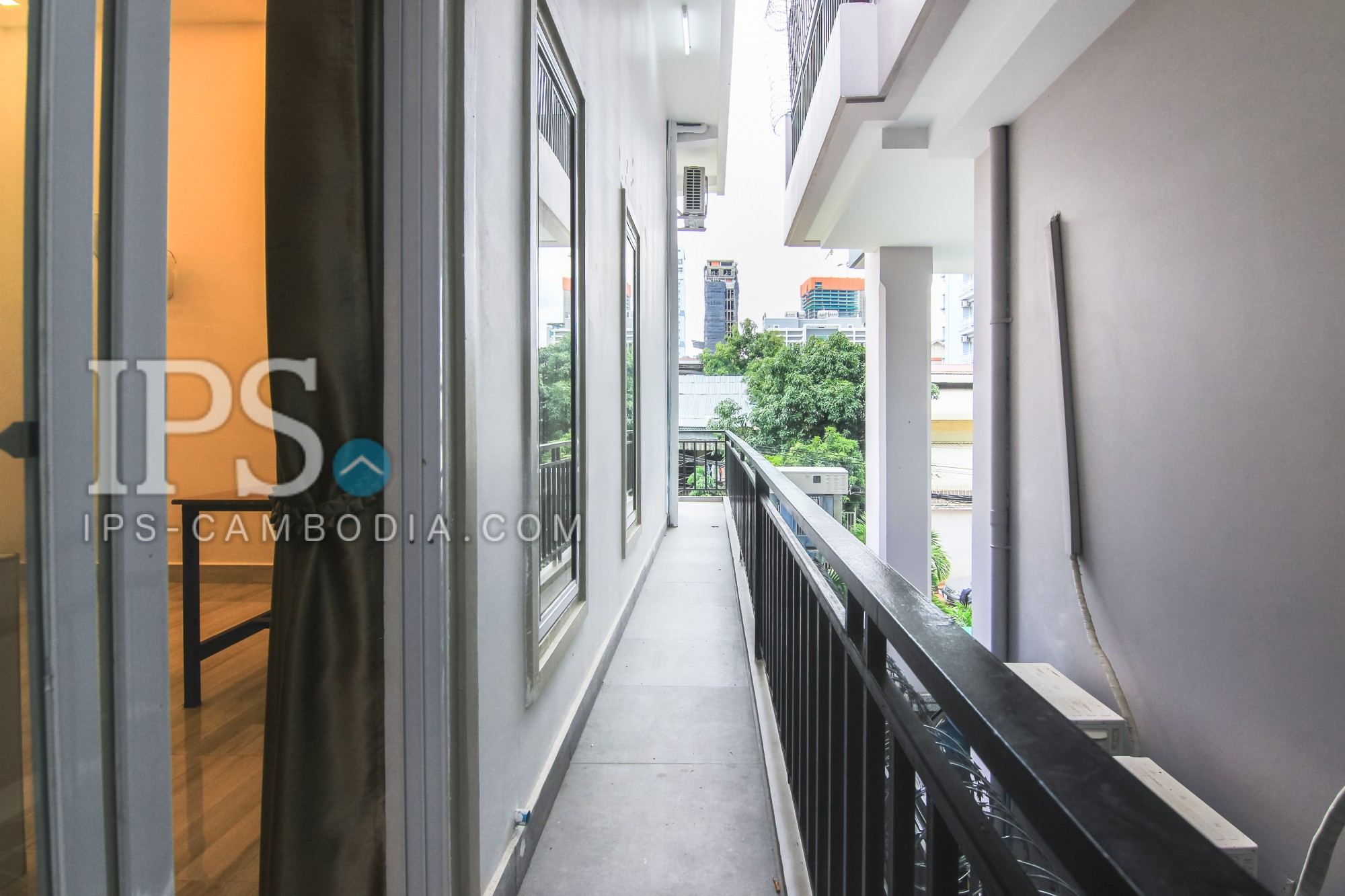 40 sqm Unfurnished Renovated Flat for Rent - BKK3