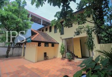 4 Bedrooms Villa  For Rent - Boeung Tumpun, Phnom Penh thumbnail