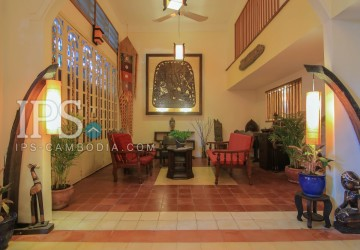 Three Bedrooms For Rent - Independence Monument, Phnom Penh