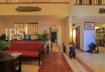 Three Bedrooms For Rent - Independence Monument, Phnom Penh thumbnail