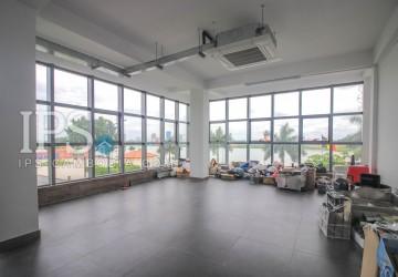 100sqm Office Space For Rent - Riverside Area, Daun Penh