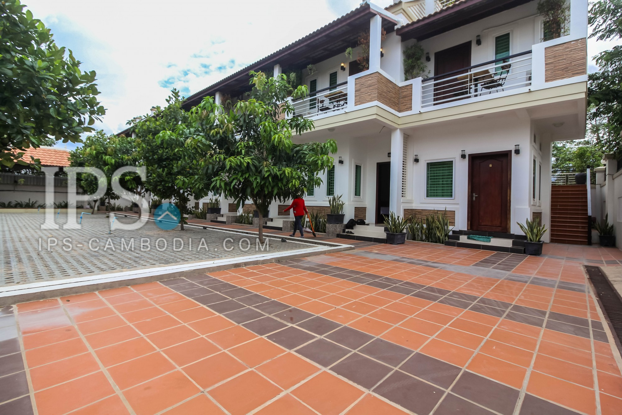 14 Rooms Commercial Building For Rent - Sra Ngae, Siem Reap