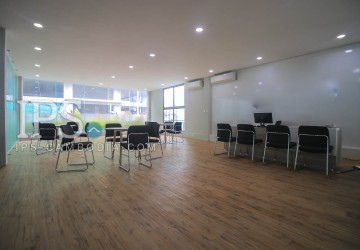 Retail Office Space for Rent - BKK1