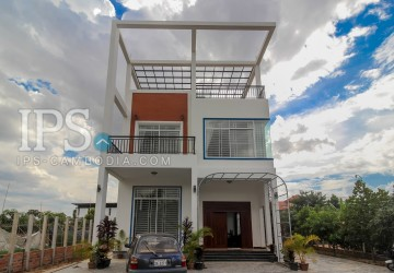 3 Bedroom Modern Villa  For Rent - Sala Kamreuk, Siem Reap
