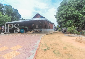 3 Bedrooms House with Land for Sale - Svay Dangkum, Siem Reap