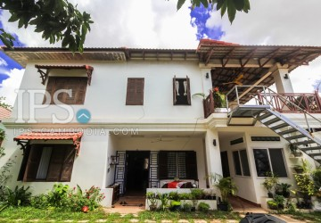 5 Bedrooms Villa For Sale - Wat Bo, Siem Reap