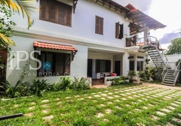 5 Bedrooms Villa For Sale - Wat Bo, Siem Reap
