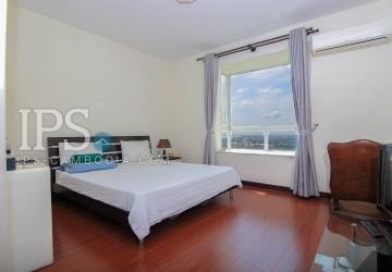 2 Bedrooms Apartment For Rent in Tonle Bassac, Phnom Penh