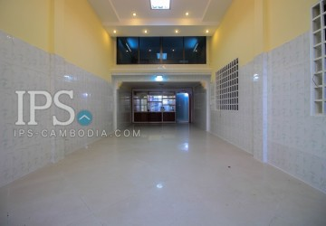 Townhouse For Rent - Daun Penh, Phnom Penh
