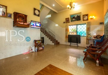 5 Bedroom House For Rent - Svay Dangkum, Siem Reap