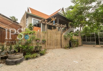 3 Bedrooms Modern Concrete Villa For Rent - Sala Kamreuk, Siem Reap thumbnail