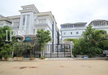 4 Bedrooms House and Lot For Sale in Phnom Penh Thmey, Sen Sok thumbnail
