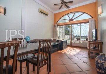 2 Bedrooms Duplex Apartment For Sale - Daun Penh, Phnom Penh