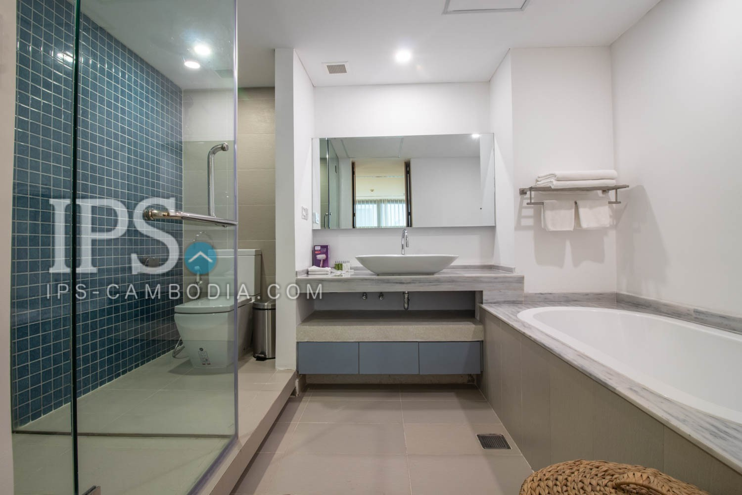 2 Bedrooms Apartment For Rent - Independent Monument Area, Phnom Penh