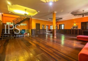 8 Bedrooms  Villa For Rent - Slor Kram, Siem Reap
