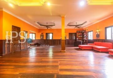 7 Bedrooms Villa  For Sale- Slor Kram, Siem Reap