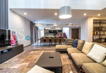 2 Bedrooms Duplex Penthouse For Rent- Tonle Bassac, Phnom Penh