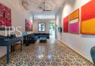 3 Bedrooms  Apartment For Rent - Daun Penh ,Phnom Penh